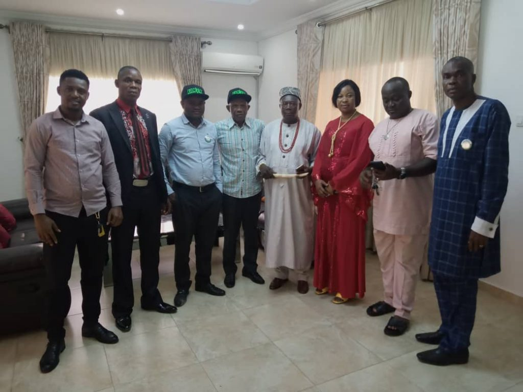 From (4L): Amb. Empire Kanu flanked by the traditional ruler and stakeholders of LEILMALL and traditional ruler in his Ude Ofeme residence.